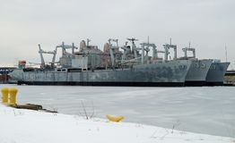 U.S. Amfibiska lastfartyg för marin Royaltyfri Fotografi