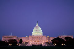 U.S. Campidoglio che costruisce alla notte Immagine Stock Libera da Diritti
