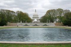 U.S. Campidoglio che costruisce dalla sosta più bassa del senato Fotografie Stock Libere da Diritti