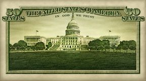 U S Capitol d'isolement dans billet de cinquante dollars photographie stock libre de droits