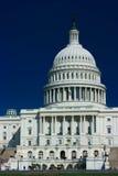 U.S. Capitolio en un resorte asoleado Fotos de archivo