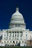 U.S. Capitolio en un resorte asoleado Foto de archivo libre de regalías