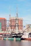 U S S Constelación atracada en el puerto interno de Baltimore, Maryland, los E.E.U.U. imagen de archivo libre de regalías