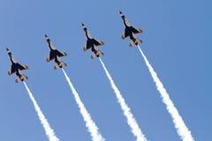 U S De Luchtmachtlucht toont Thunderbirds Royalty-vrije Stock Foto's