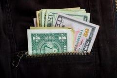U S Dollari nella tasca posteriore dei jeans Fotografie Stock Libere da Diritti