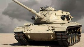 U S El tanque del combate del ejército en el desierto almacen de metraje de vídeo