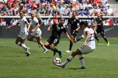 U S Equipe de futebol nacional Christen Press dianteira das mulheres #23 na ação durante o jogo amigável contra México imagens de stock