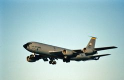 U.S.A.F. Boeing KC-135R 60-0366 che entra per un atterraggio Immagini Stock Libere da Diritti