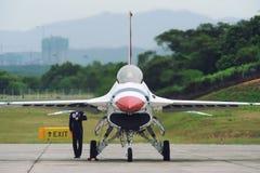 U.S.A.F.-Thunderbirdsstråle, F--16Cfalk Arkivbild