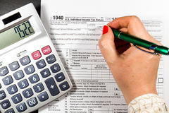 U S Individuell inkomstskattretur skatt 1040 Arkivfoton