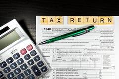 U S Individuell inkomstskattretur skatt 1040 Royaltyfri Bild