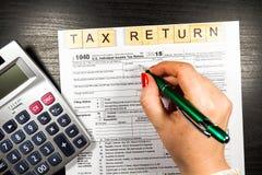 U S Individuell inkomstskattretur skatt 1040 Royaltyfria Bilder