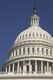 U.S. Kapitol-Haube und Markierungsfahne Lizenzfreies Stockfoto