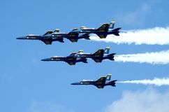 U S Marineblauwe Engelen die voor de show praktizeren stock foto's