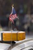 U.S. Markierungsfahne auf amtlichem Auto Stockfotografie