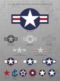 U S Militärischer nationaler Flugzeug-Stern Roundels, beunruhigter Metallhintergrund mit Nieten, Vektorillustration lizenzfreie stockfotografie
