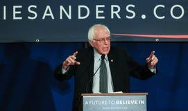 U S O senador Bernie Sanders de Vermont faz campanha em Bedford, NH, o 22 de janeiro de 2016 Imagens de Stock Royalty Free