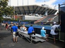U S Ouvrez le tennis - cours latérales Photographie stock libre de droits