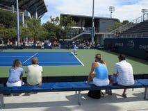 U S Ouvrez le tennis - cours latérales Photos stock