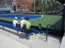 U S Ouvrez le tennis - cours latérales Photographie stock