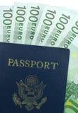 U.S. Pasaporte y euro 100 Fotografía de archivo libre de regalías