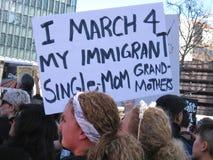 U S política en materia de inmigración un comandante y un problema de continuación Fotos de archivo libres de regalías