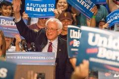 U S Präsidentschaftskandidat Bernie Sanders Rally stockfotos