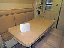 U S S 短路线圈测试仪:军官室起居室 免版税图库摄影