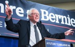 U S Senatora Bernie Sanders Vermont prowadzą kampanię w Bedford, NH, Styczeń 22, 2016 Zdjęcie Stock