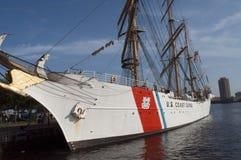 U S ship högväxt u för kustörnguard s Arkivfoto