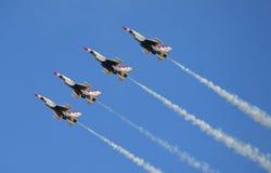 U S Thunderbirds dell'aeronautica fotografia stock