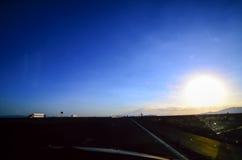 U S Weg 15 in Nevada am Abend Stockbild