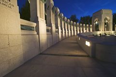 U.S. World War II Memorial commemorating World War II in Washington D.C. at dusk Royalty Free Stock Photos
