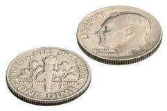 U S zehn-Cent-Münze lokalisiert auf weißem Hintergrund Lizenzfreie Stockfotos