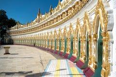 U Thonze Minimalna pagoda, Myanmar obraz stock