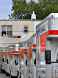 U-Trasporti i camion nel deposito di Brooklyn pronto per i motori Fotografia Stock Libera da Diritti