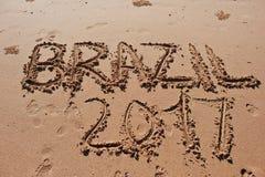 u. x22; Brasilien 2017& x22; geschrieben in den Sand auf den Strand Lizenzfreie Stockbilder
