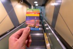 U?ywa? metro system w Taipei Taipei metra jednodniow? przepustk? zdjęcia royalty free