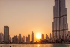 UAE/DUBAI - 14 SEPTEMBER 2012 - skillnad i storlek av dubai byggnader Arkivfoto