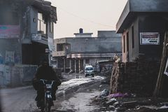 Ubóstwo z odrobina Motorowym olejem fotografia royalty free