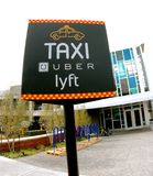 Uber Lyft计程车车站标志 库存图片