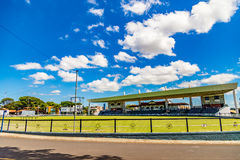 UBERABA, MINAS GERAIS/BRAZIL - 23 DE ABRIL DE 2017: Centro Fernando Costa Park da exposição fotografia de stock royalty free