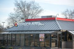 Ubicación de Burger King Retail Fast Food Cada día, más de 11 millones de huéspedes visitan Burger King II imágenes de archivo libres de regalías