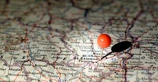 Ubicación de St. Etienne fijada en el mapa de ruta Fotos de archivo