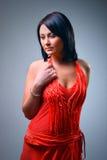 ubiera czerwonej kobiety Zdjęcia Royalty Free