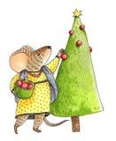 Ubierająca mysz dekoruje choinki z czerwonymi piłkami ilustracja wektor