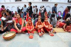 Ubierający jako Kumari niezidentyfikowani dzieci Obrazy Royalty Free