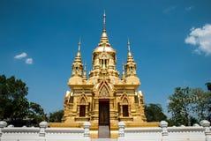 Ubosot dorato in Chiangmai, Tailandia Fotografie Stock