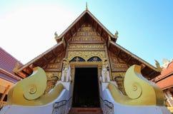 Ubosothen av Wat Pra Singh, Chiang Rai, nordliga Thailand Fotografering för Bildbyråer