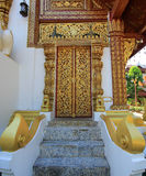 Ubosothen av Wat Pra Singh, Chiang Rai, nordliga Thailand Royaltyfri Fotografi
